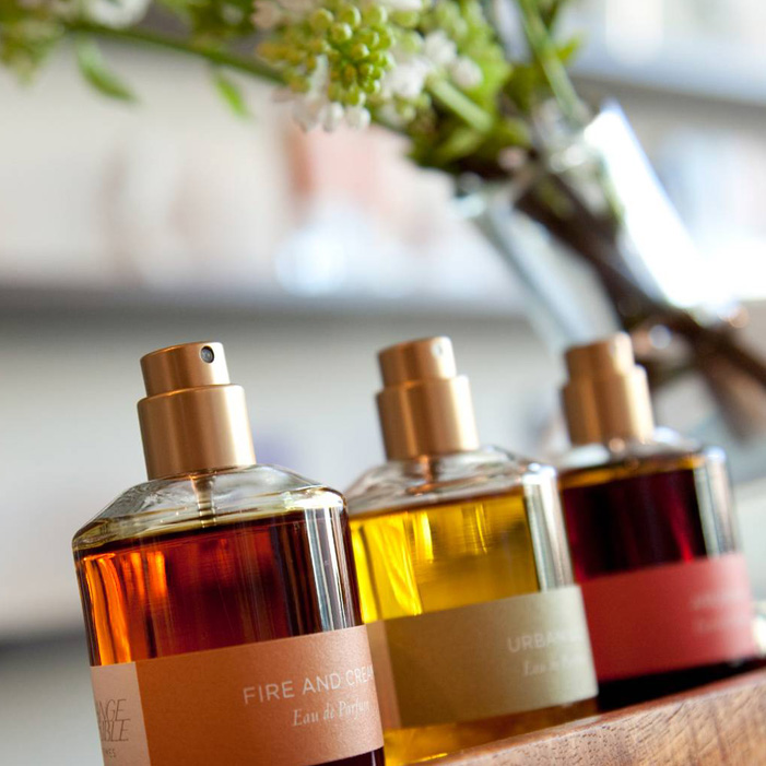 DB73 - آشنایی با گروه عطرهای شرقی عطرهای جذاب زنانه