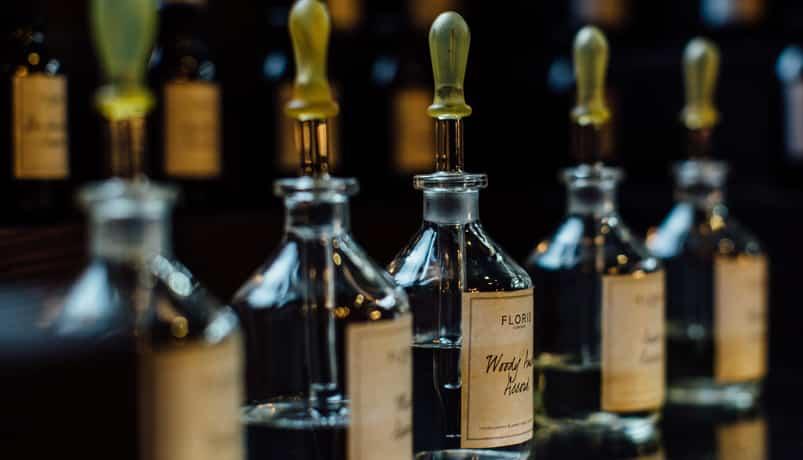 DB122 - تاریخچه پیدایش عطر ادکلن - Perfume History