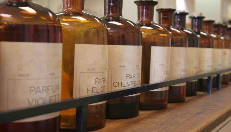DB202 - مهم ترین ترکیبات سازنده در بهترین عطر زنانه یا مردانه چیست؟
